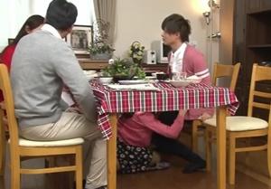 แอบเย็ดแม่แล้วได้เงิน รายการทีวีโป๊ญี่ปุ่น จ้างลูกเลี้ยงแอบเย็ดแม่ตัวเอง
