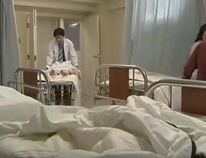 แอบเย็ดผู้หญิงป่วย คนไข้สาวเธอเป็นโรคเงี่ยนรูหี