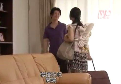 หนังเอวี แม่ลูกอ่อนไม่อยู่บ้าน ผัวเลยแอบเย็ดกับน้องเมีย