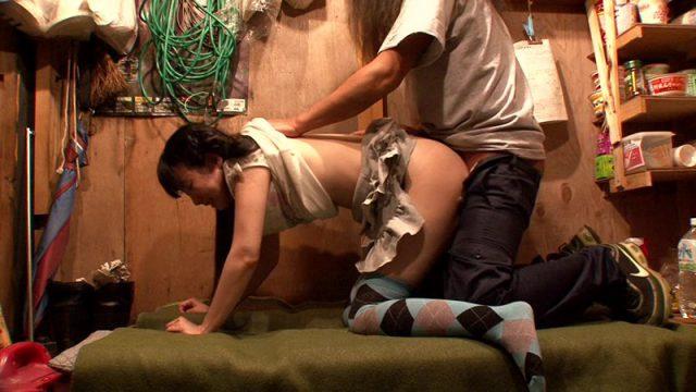 เย็ดท่าหมา สอนประสบการณ์สาวน้อยน่ารัก