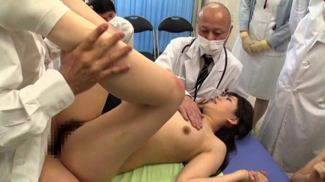 หมอต่อคิวเย็ดหีคนไข้ขณะตรวจร่ายกาย หุ่นเซ็กส์ซี่เกินไป