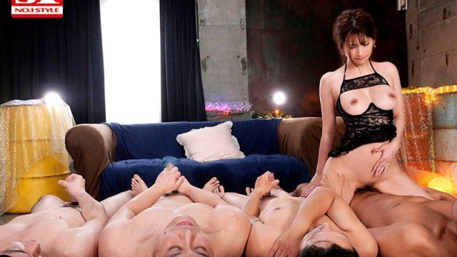 ไฮโซซื้อผู้ชาย จ้างเปิดซิงรูหี นอนต่อคิวให้เธอขย่มควย